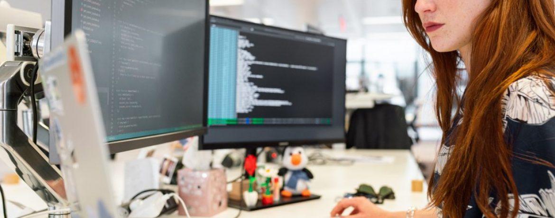 woman-coding-on-computer-3861958-1024x683